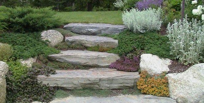 Arredare il giardino con i sassi