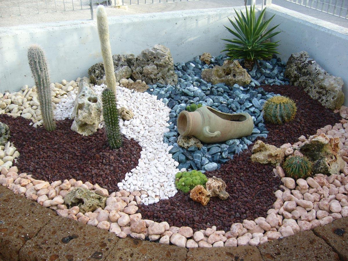 Arredare il giardino con la ghiaia giardini nel mondo for Sassi finti per giardini