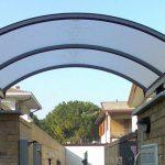 A cosa servono le tettoie in plexiglass in giardino